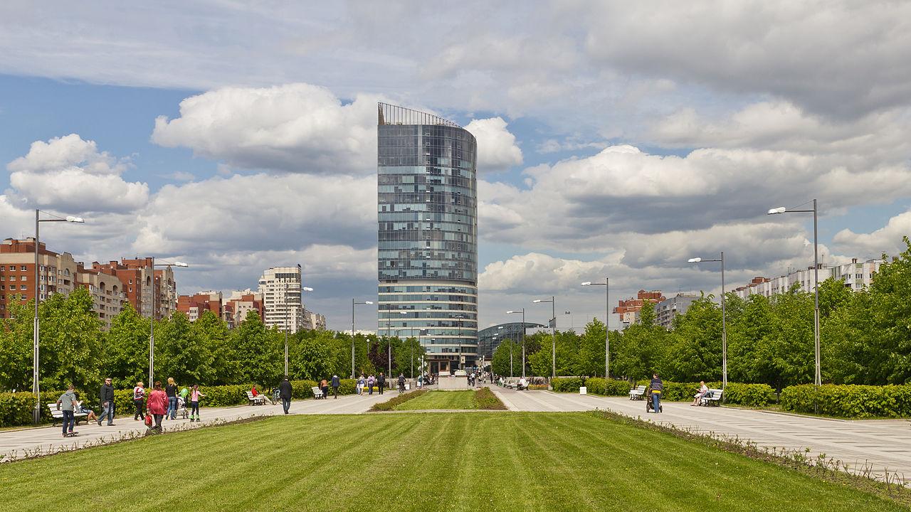 Парк 300-летия Санкт-Петербурга. Автор фото: A.Savin (Wikimedia Commons · WikiPhotoSpace)