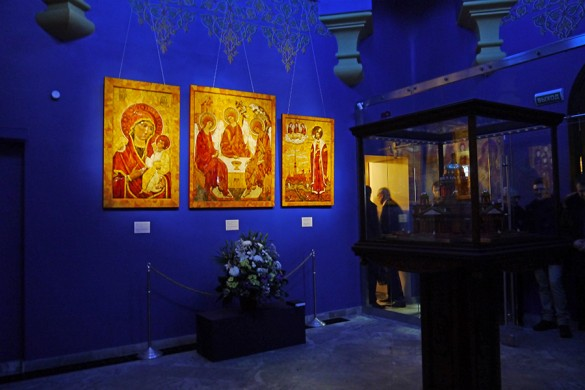 Часовня-ризница Иверской иконы Божией Матери, источник фото: http://karpovka.com/2013/12/30/150470/