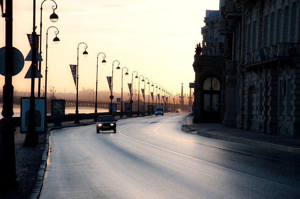 Дворцовая набережная. Фото: IKit (Wikimedia Commons)