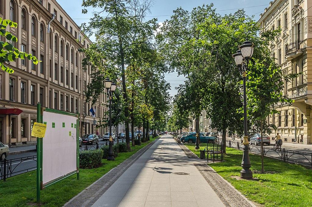 Фурштатская улица в Санкт-Петербурге. Фото: Florstein (WikiPhotoSpace)