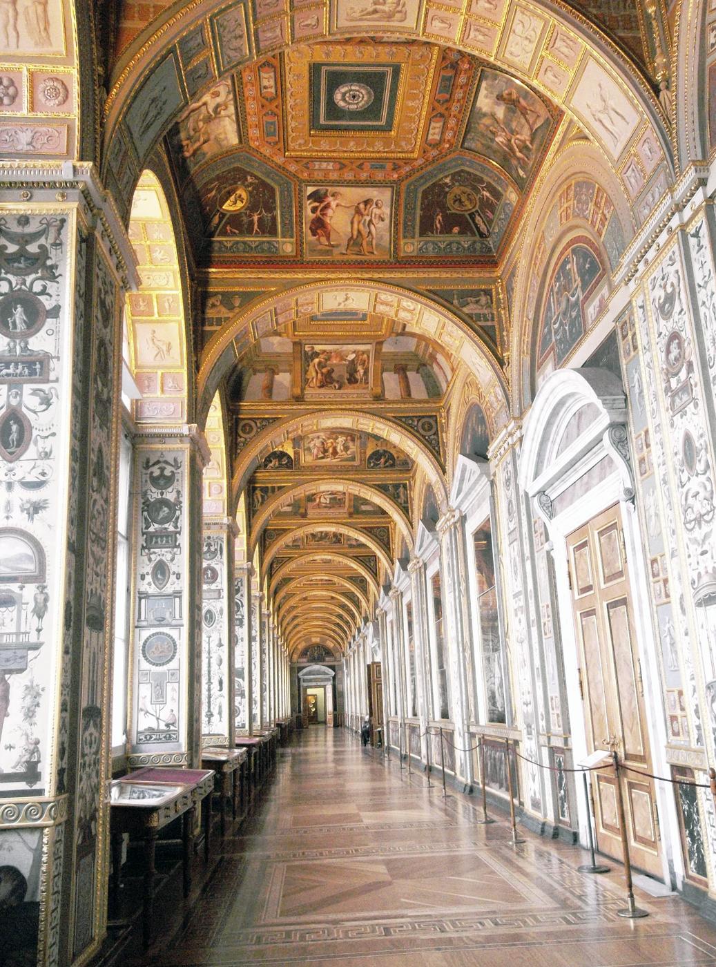 Лоджии Рафаэля в здании Большого Эрмитажа. Фото: Tura8 (Wikimedia Commons)