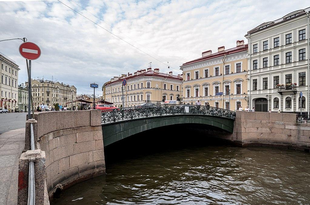 Певческий мост в Санкт-Петербурге. Фото: Florstein (WikiPhotoSpace)