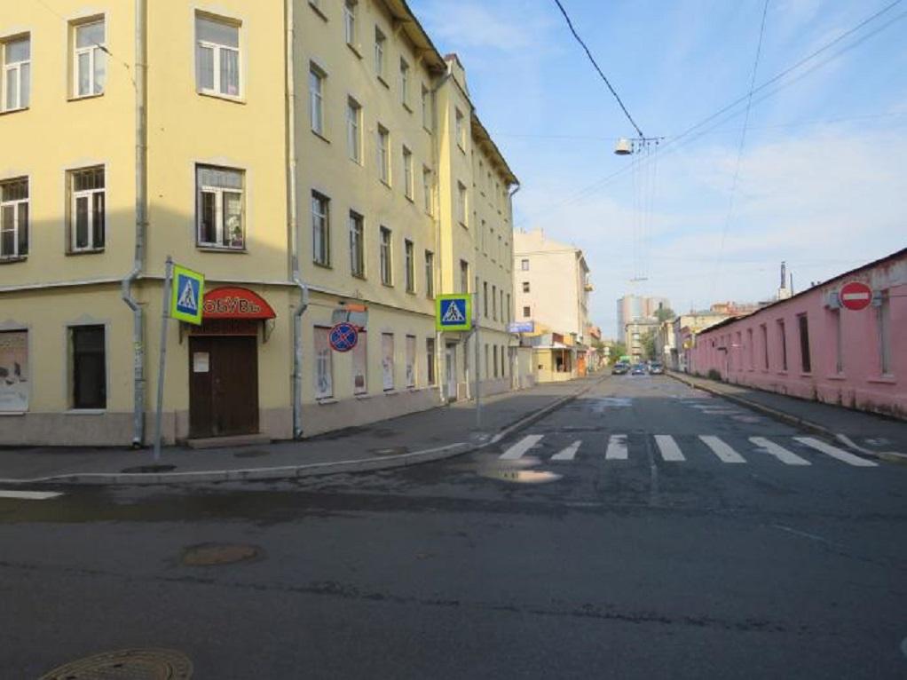 2. Ломаная улица. Фото: anmazarin