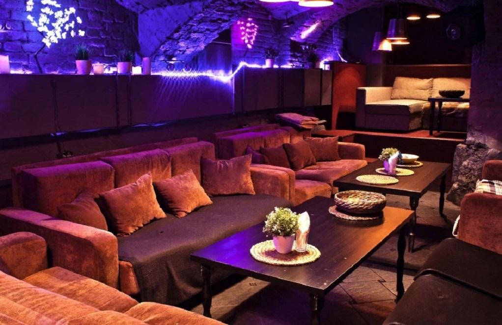 2. lounge & bar Monte-Cristo