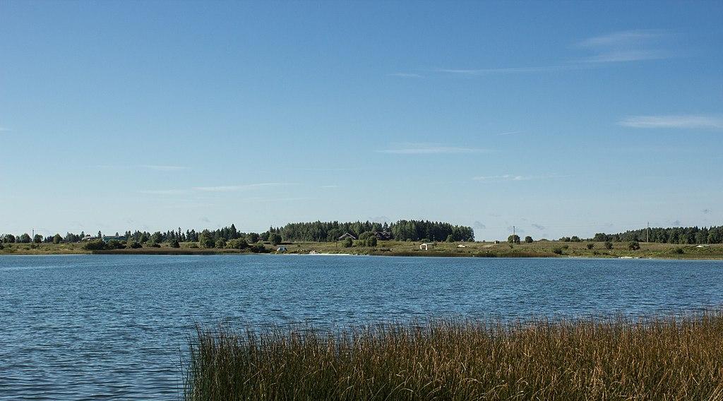Озеро / Dontso lake. Фото: S Petr