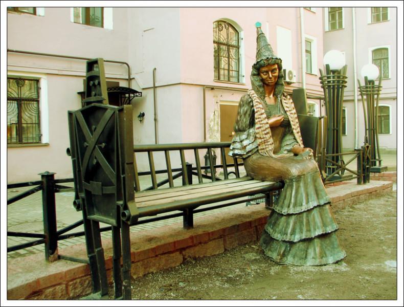 """""""Изумрудный город"""" и его """"жители"""" в самом центре Петербурга. Фото: Julia"""