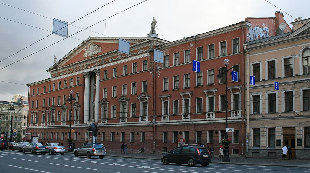 Невский проспект в Санкт-Петербурге. Дом № 68, 2010 г. Фото: Sir James (Wikimedia Commons)