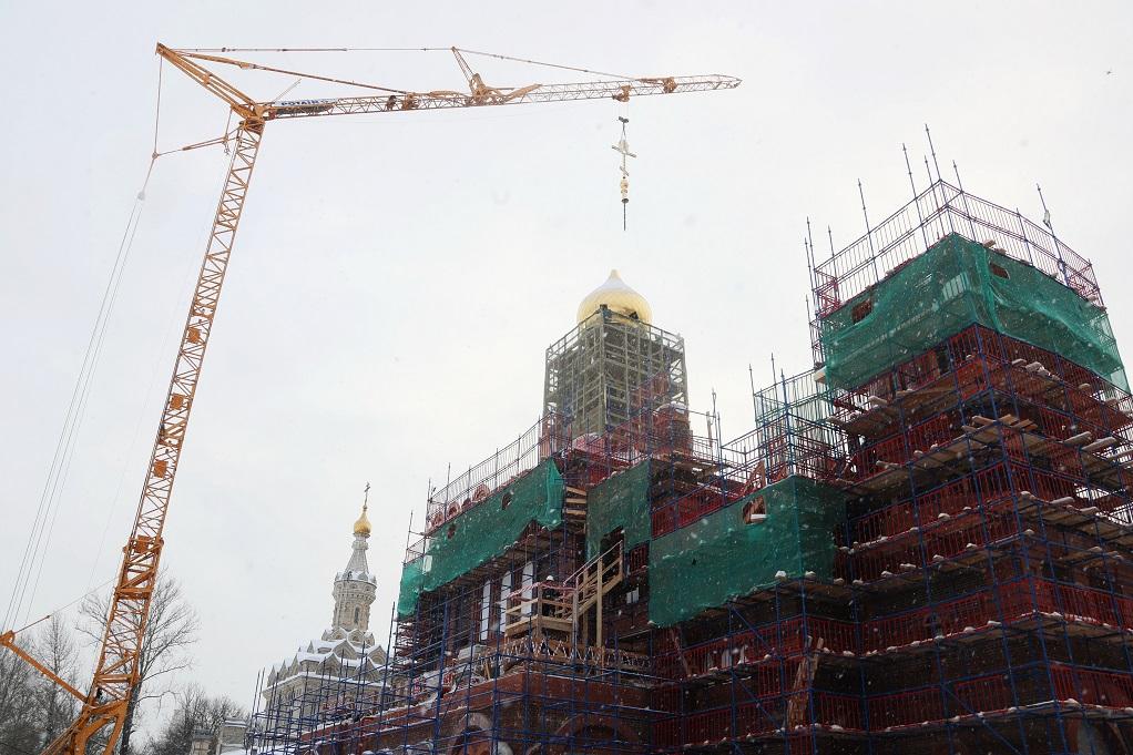На проспекте Обуховской обороны идет воссоздание исторического храма, 2019 г. Фото: gov.spb.ru