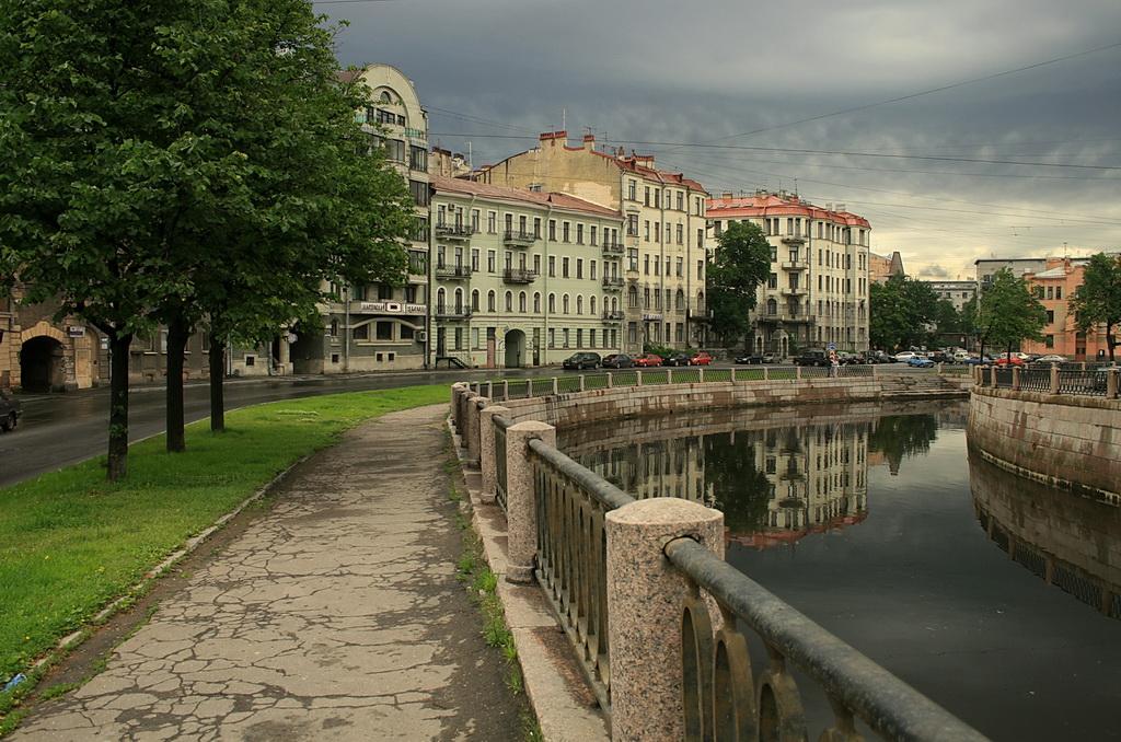Санкт-Петербург. Аптекарский остров. Река Карповка. Фото: photosight.ru