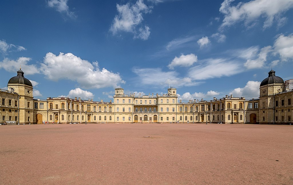 Гатчинский дворец, южный фасад. Фото: Florstein (WikiPhotoSpace)