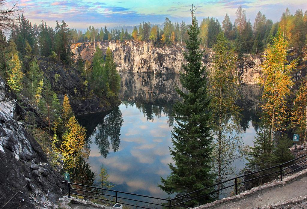 Рускеала Горный парк. Автор фото: Aleksander Kaasik (Wikimedia Commons)
