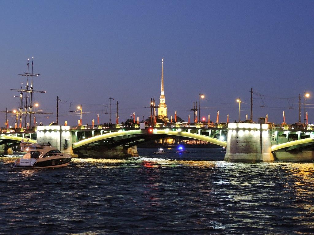 Биржевой мост. Фото: Monoklon