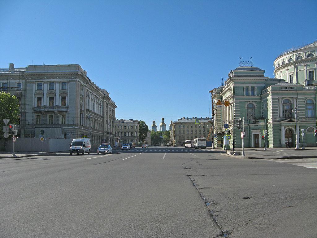 3. Театральная площадь. Фото: Екатерина Борисова