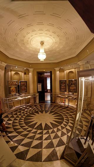 Музей политической истории России.  Автор: Txllxt TxllxT,  Wikimedia Commons