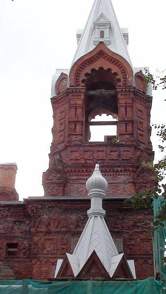 Колокольня церкви кирасирского полка. Автор: Тиу, Wikimedia Commons