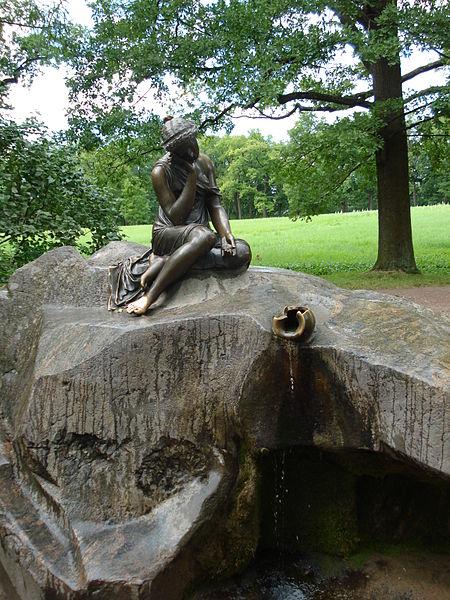 Фонтан «Молочница». Автор: SERGiK73, Wikimedia Commons