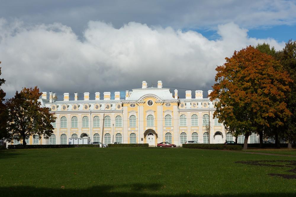 Музей «Семьи Бенуа» в Фрейлинском корпусе Петергофа. Фото с официального сайта