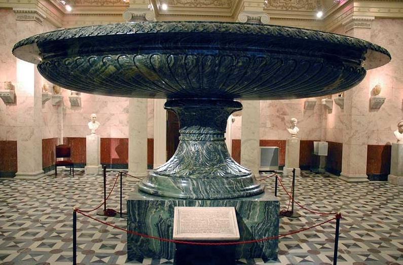 Большая Колыванская ваза