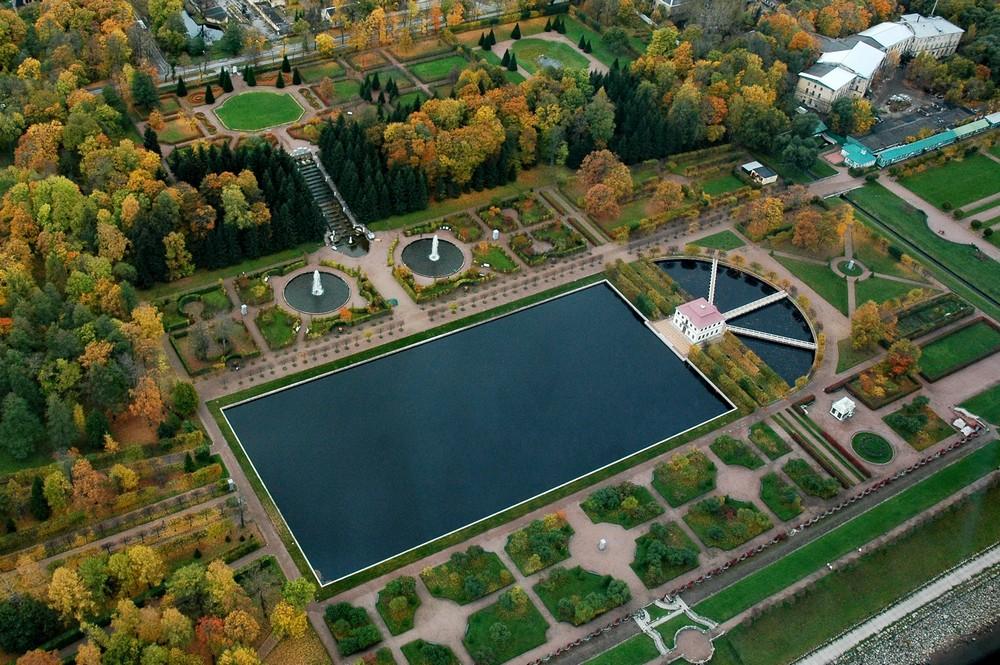 """Марлинский пруд, дворец и фонтаны. Вид сверху. Фото с портала """"Все о Петербурге"""""""