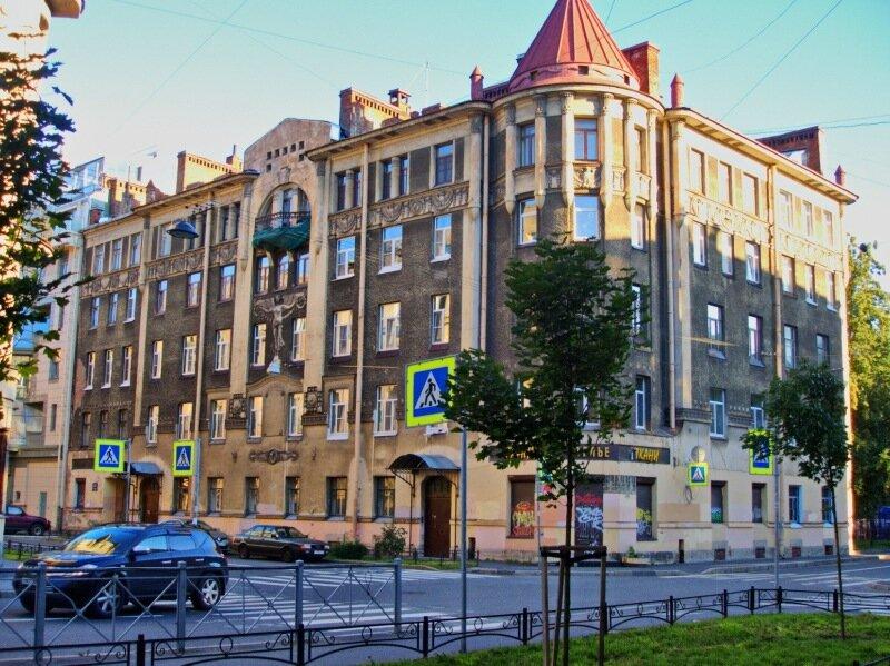 Дом с ангелом. Фото: forum.littleone.ru