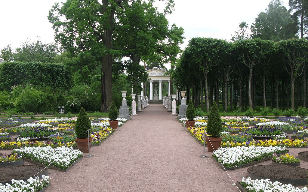 Павловск. Павильон трех граций. Фото: YKatrina (Wikimedia Commons)
