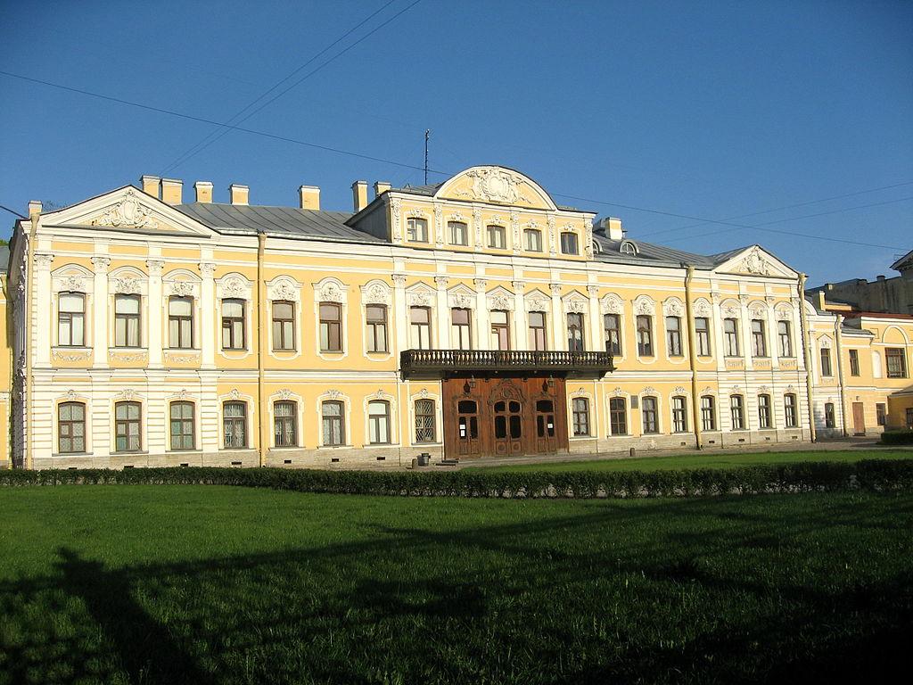 Фонтанный дом (Шереметевский дворец). Фото: Dezidor (Wikimedia Commons)