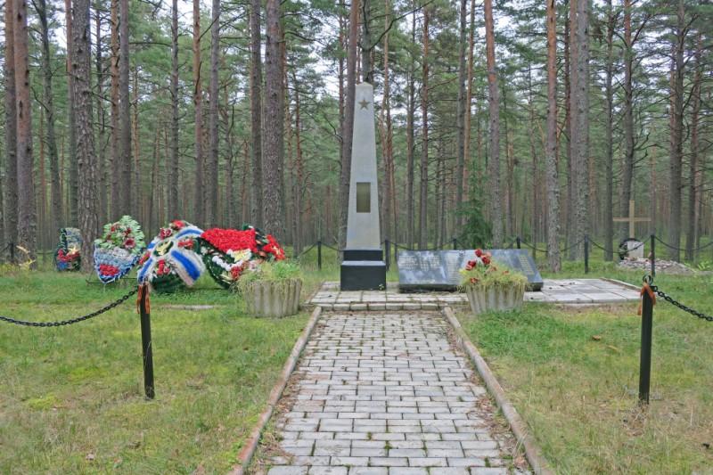 Мемориал на Берёзовом острове. Фото: club.silver-ring.ru