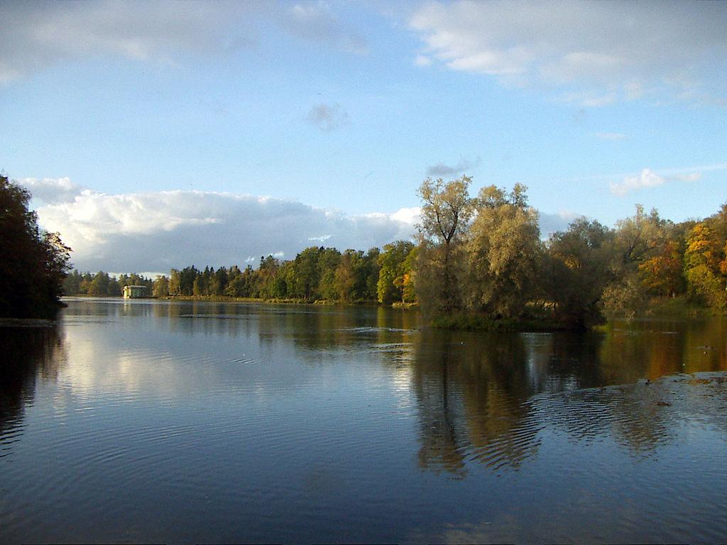 Белое озеро. Автор фото: User:Alexey Lavrov (Wikimedia Commons)