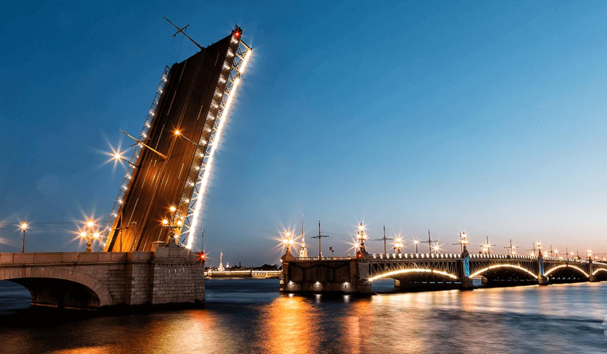Разводка Троицкого моста. Фото: gorod-plus.tv