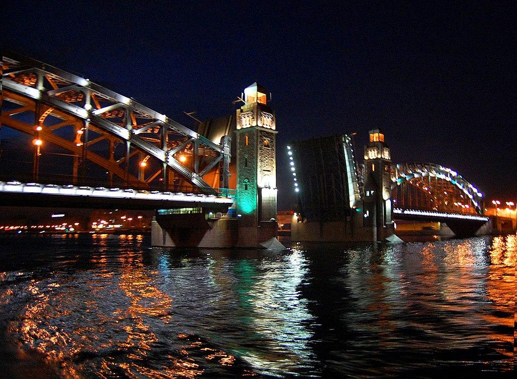 Красногвардейский район. Мост Петра Великого. Фото: Мария 111