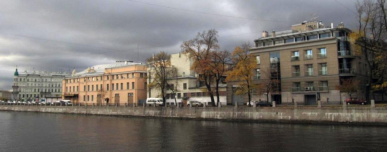 Тяговая подстанция на набережной Фонтанки. Автор фото: Tura8 (Wikimedia Commons)
