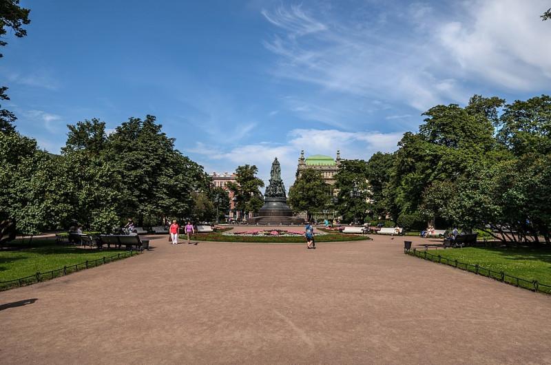Площадь Островского. Фото: Florstein (WikiPhotoSpace)