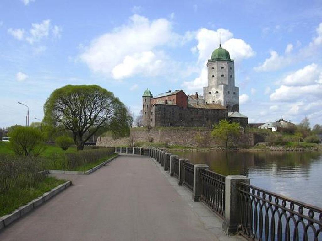 Выборгский замок. Фото: Miraceti (Wikimedia Commons)