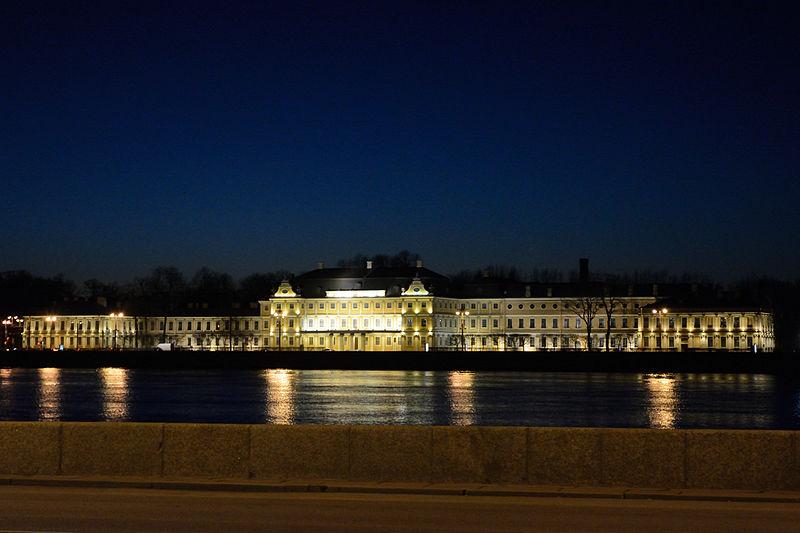 Меншиковский дворец на Университетской набережной