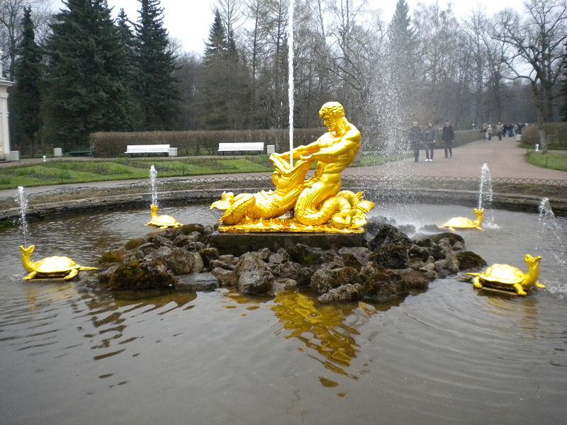 Фонтан «Оранжерейный». Автор фото: Вера Колеватова. Взято с Википедии
