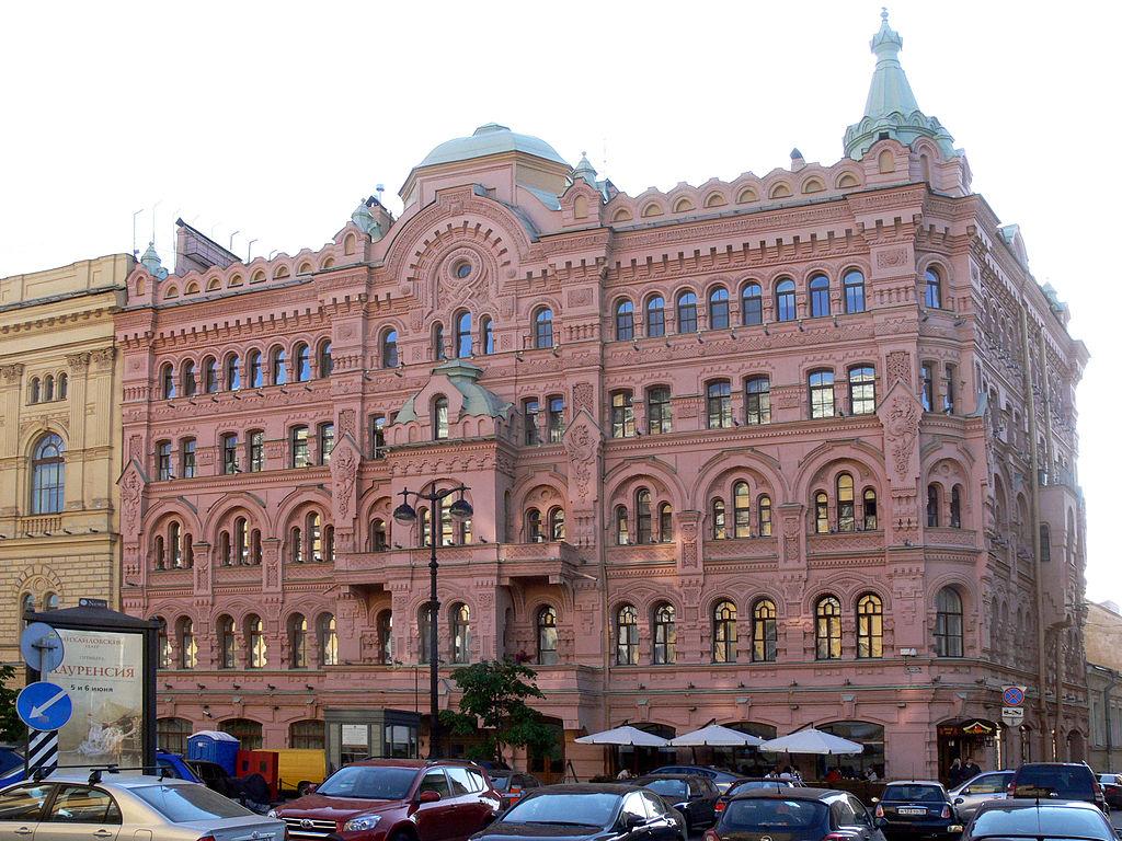Площадь Островского, дом № 5. Фото: Christian Bickel (Fingalo) (Wikimedia Commons).
