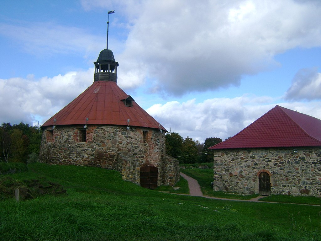 """Крепость Корела"". Приозёрск. Фото: Skydrinker (Wikimedia Commons)"