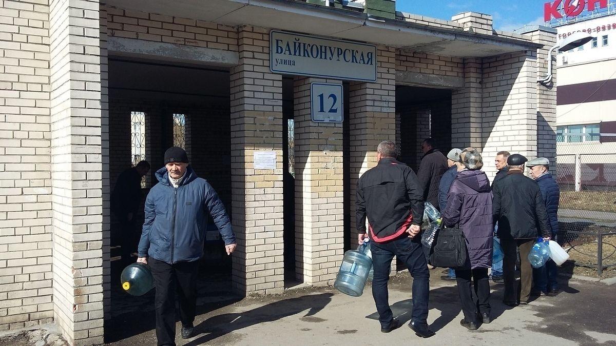 Родник  на Байконурской улице. Фото: spbdnevnik.ru