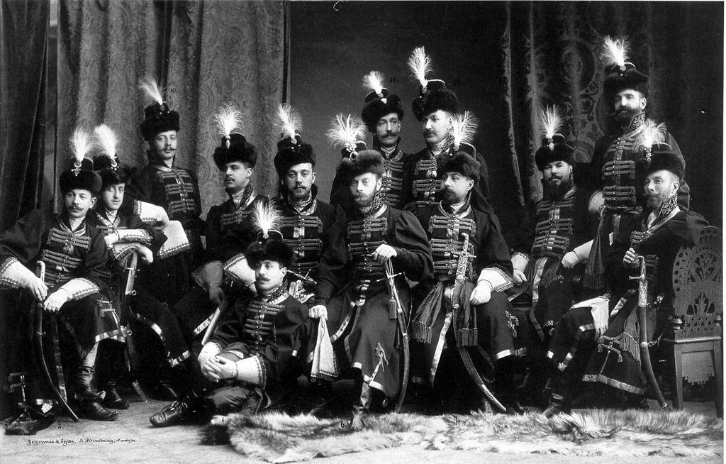 Офицеры Преображенского лейб-гвардии полка. Фото: Боассон и Эгглер (Wikimedia Commons)