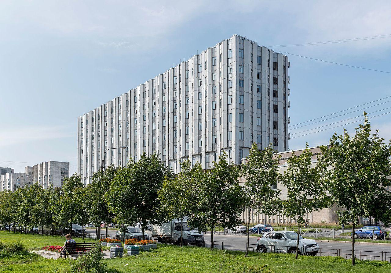 Административное здание Петербургского метрополитена на улице Одоевского. Автор фото: Florstein (WikiPhotoSpace)
