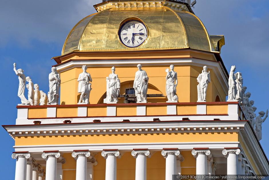 Колоннада Адмиралтейства, фото с сайта Busguide.ru