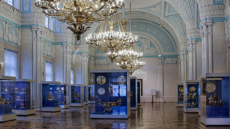 Александровский зал, источник фото: http://www.hermitagemuseum.org/wps/portal/hermitage/explore/buildings/locations/room/B10_F2_H282