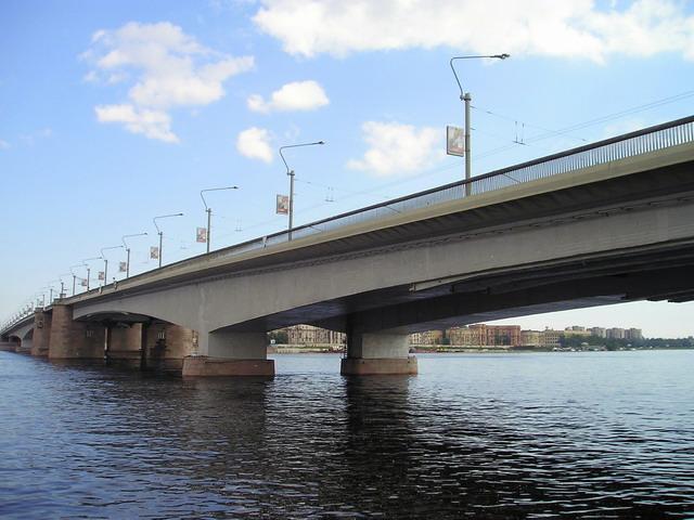 Мост Александра Невского. Фото: Sergey Nemanov (Wikimedia Commons)