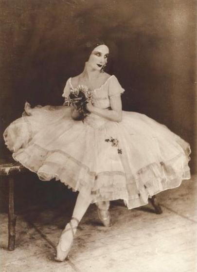 Анна Павлова в партии Жизели в одноимённом балете Адана. Фото: Wikimedia Commons
