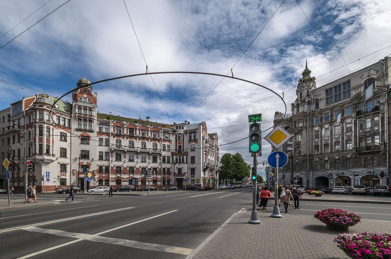 Австрийская площадь. Автор фото: Florstein (WikiPhotoSpace)