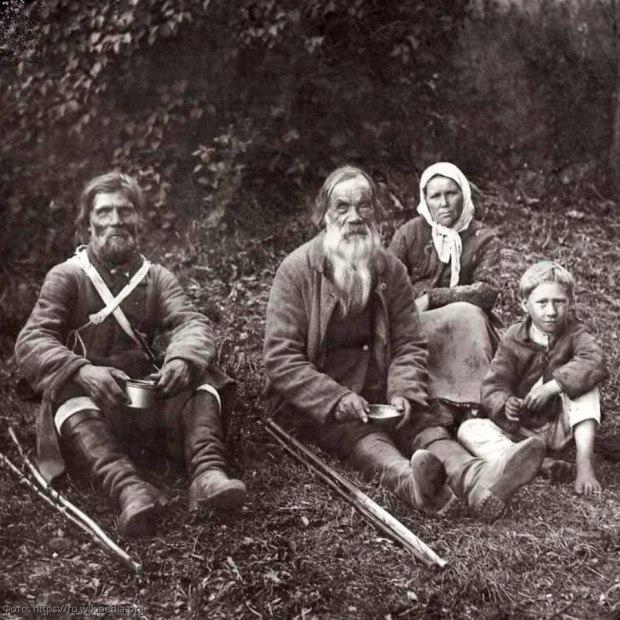 Батраки, фото с сайта Chitalnya.ru