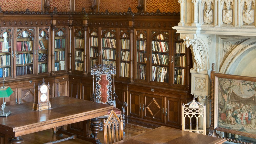 Библиотека Николая II, источник фото: https://moiarussia.ru/progulki-po-ermitazhu/