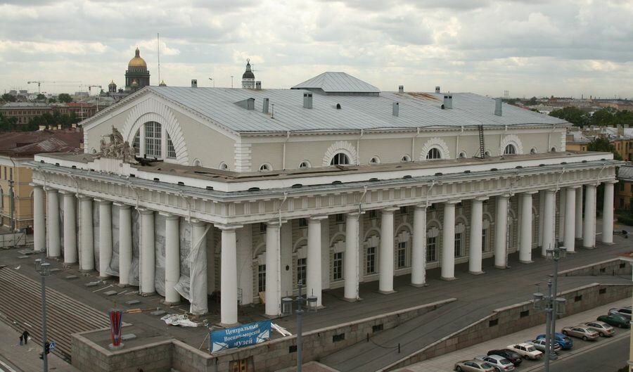 Колоннада Биржи, фото с сайта Yandex.ua