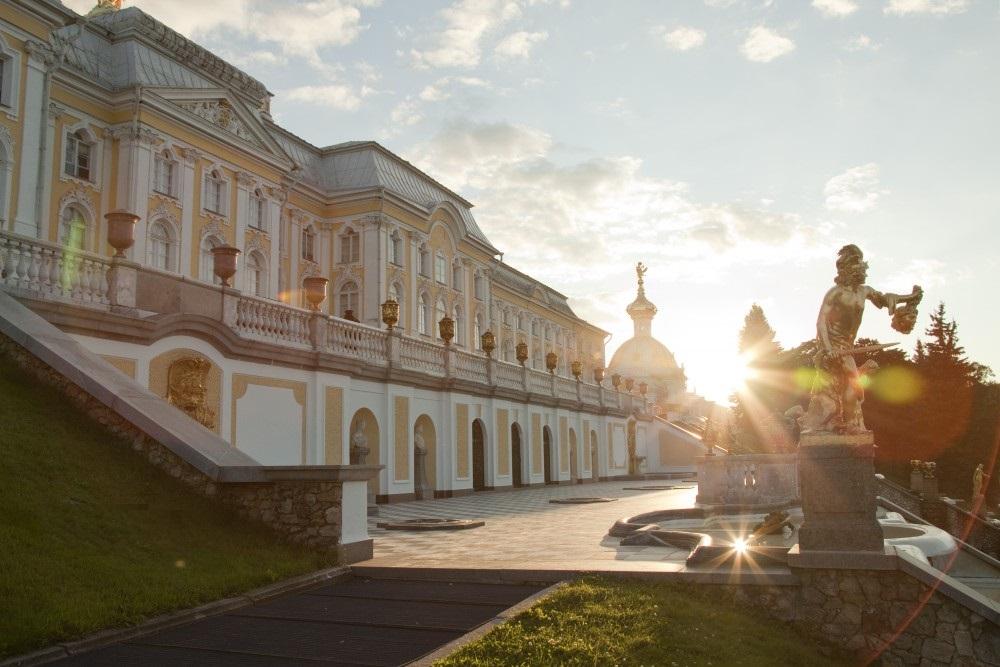 Большой петергофский дворец. Фото: peterhofmuseum.ru