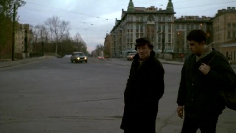 """Немец ведет Багрова на Смоленское лютеранское кладбище к себе """"в гости"""""""